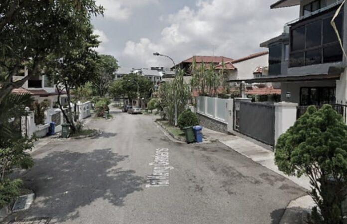 TKW Indonesia diganjar hukuman penjara karena membuang bayinya yang baru lahir di tempat sampah.