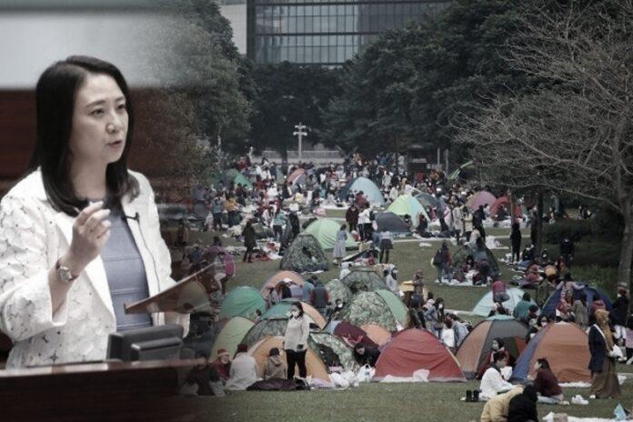Anggota Legislatif Mendesak Pemerintah Untuk Melarang Para Buruh Migran Melakukan Pertemuan Berkumpul Saat Hari Libur dan Mendenda Mereka Yang Melanggar Aturan