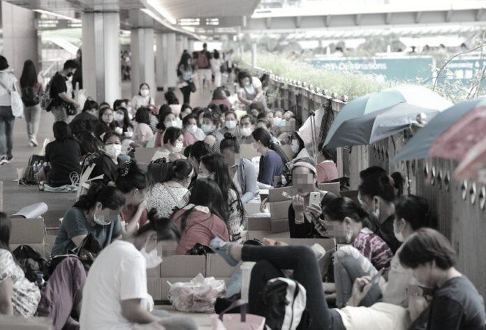 Ombudsman melakukan penyelidikan langsung untuk memeriksa peraturan Pemerintah tentang fasilitas asrama atau tempat penampungan bagi Buruh Migran sektor pembantu rumah tangga di Hong Kong, karena beberapa dari mereka telah tertular Covid-19 di asrama selama wabah tersebut menyebar