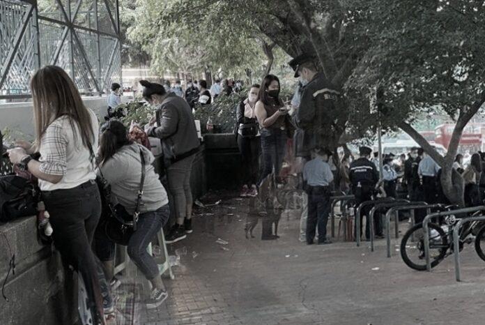 Hong Kong Covid-19: 22 pria dan wanita didenda di Yuen Long karena melanggar undang-undang larangan berkumpul dan Tidak Mengenakan Masker TKW ditangkap polisi