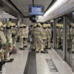 Ditemukan Percikan Api dari di Rel Dekat Stasiun MTR Central, Semua Penumpang Kereta di Evakuasi